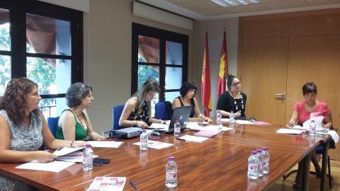El Instituto de la Mujer trabajará para visibilizar a las artistas de Castilla-La Mancha