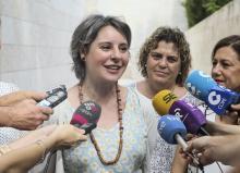 La consejera de Bienestar Social, Aurelia Sánchez junto a la Directora del Instituto de la Mujer de Castilla-La Mancha Araceli Martínez Esteban